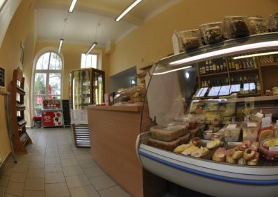 Kavárna a prodejna